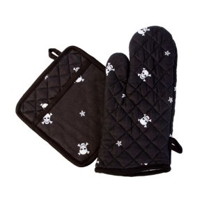 Skull and Crossbones Oven Mitt/Potholder set